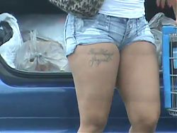 Thick Latina MILF in short shorts